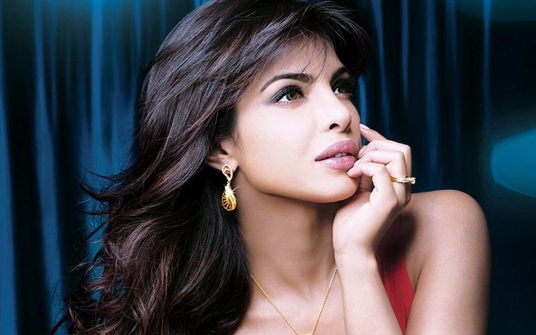 indianka-zvezda-aktrisa-foto-devushki