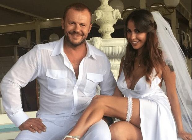 Порноактриса Беркова в пятый раз развелась