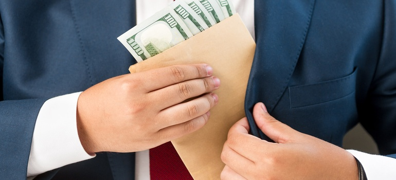 Что делать если вымогают деньги: как доказать, статья за вымогательство, образец заявления