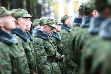 Какой возраст призыва на службу в армию, до скольки лет берут