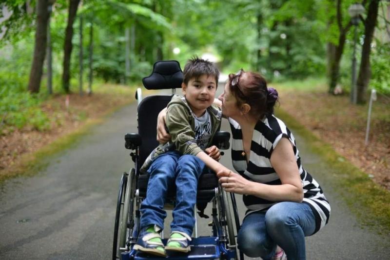 Пенсия родителям ребенка-инвалида в 2019: право выхода на досрочную пенсию