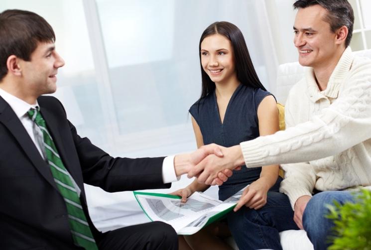 Как правильно торговаться при покупке квартиры{q} — юридические советы